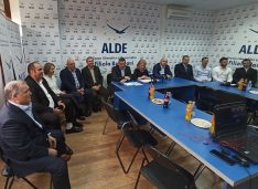VIDEO Un inginer biochimist la Bucecea și un medic veterinar la Mihai Eminescu, candidații ALDE la primării