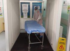 FOTO Tunel de dezinfectare fabricat la o firmă din Botoșani, donat Spitalului Județean de Asociația Happy