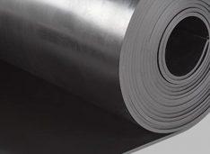 O fabrică din Botoșani produce barieră de vapori pentru etanșarea rosturilor de dilatație la poduri și clădiri