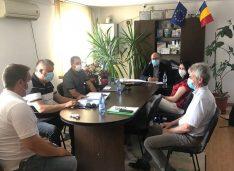 Bani pentru închiderea gropilor de gunoi de la Săveni și Darabani. Tîrzioru, Gârbaci și Kashyap, ședință cu vicepreședintele AFM