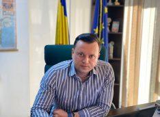 """Cătălin Silegeanu: """"Botoșănenii au ocazia să sancționeze partidele mamut care s-au perindat pe la guvernare. Ani în care Botoșani a stagnat"""""""