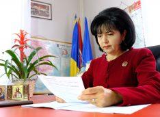 """Doina Federovici: """"PNL îi condamnă pe copiii din Botoșani și din toată țara la analfabetism și sărăcie"""""""