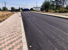FOTO Cu utilitățile aproape de finalizare, a început asfaltarea și în cartierul ANL Șoseaua Iașului