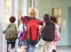 """""""Cel mai trist început de an școlar!"""" Bine că până acum totul era o veselie. Școlile arătau mai rău ca acum, dar măcar eram veseli"""