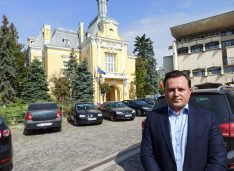 VIDEO Cătălin Silegeanu, independentul care vrea asfaltări mai multe cu bani mai puțini, rețele de apă și canalizare la preț corect, limitarea subvențiilor pentru firmele CL-ului