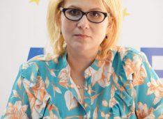 """Roxana Florentina ȚURCANU, candidat ALDE la Primăria municipiului Botoșani– """"Să deschidem larg ochii și să vedem situația în care suntem!"""""""