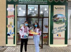 FOTO Cașcavalul de Săveni și noua miere în trei culori de la Marineac, vedetele noului Magazin al Producătorului