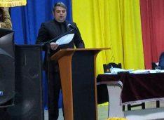 FOTO A fost învestit în funcție noul primar al orașului Darabani. Alin Gârbaci este cel mai tânăr primar al celui mai nordic oraș