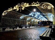 De la 1 Decembrie avem iluminat festiv în municipiu. În premieră a fost extins în Zona Industrială