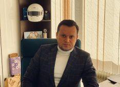 """Silegeanu despre războiul PSD-PNL din CL: """"Și cei mai tineri dintre politicieni ajung în cele din urmă să facă jocuri de culise pentru anumite interese"""""""
