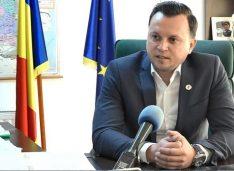 """Silegeanu: """"Politicieni de la toate partidele fac acum bani mulți, dar mulți tare, pentru care în mod normal ar trebui să muncească generații întregi"""""""