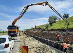 Guvernul USR vrea să facă în următorii 10 ani drumurile naționale Botoșani-Târgu Frumos și Botoșani-Ștefănești, deși lucrările sunt acum în execuție