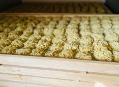 FOTO: Paste de casă doar din făină și apă făcute la Bucecea, în județul Botoșani. Crește numărul magazinelor de unde pot fi cumpărate