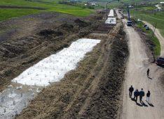 Imagini spectaculoase de la lucrările complexe de la alunecarea de teren de pe DJ 296, Roma – Nicșeni