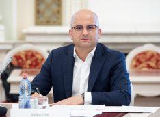 """Lucian Trufin: """"PNL și USR dau mână liberă speculanților și fondurilor de investiții, să cumpere pământul românesc!"""""""