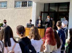 """Prefectul Dan Nechifor: """"Ne dorim cu toții ca acest an școlar să se desfășoare în întregime în clasă și față în față cu dascălii voștri"""""""