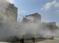 VIDEO Cantități uriașe de praf generate de demolarea fabricii Rapsodia Conf pentru a face loc unui LIDL