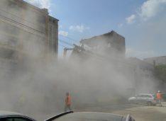 Amendă de 10.000 lei pentru praful făcut la demolarea fostei fabrici de confecții Rapsodia Conf