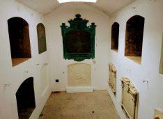 FOTO Capela princiară a familiei care a dat patru voievozi, un mitropolit și diplomați. Acolo a fost și un conac cu valeți italieni, comuniștii l-au demolat